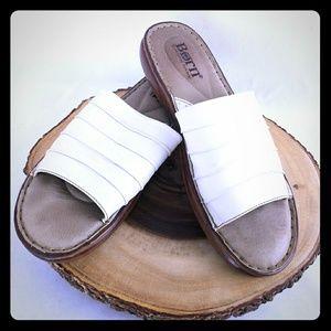 born leather slides size 10 women's White